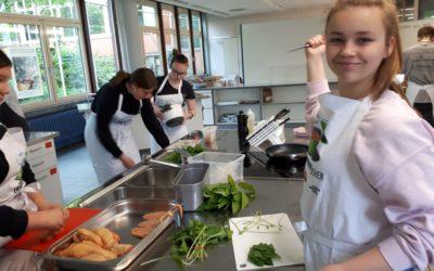 """Projektwoche """"Gesunde Ernährung"""" – Tisch und Kultur"""