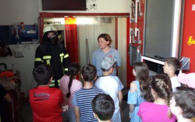Spannender Besuch bei der Feuerwehr (Klassenstufe 4)